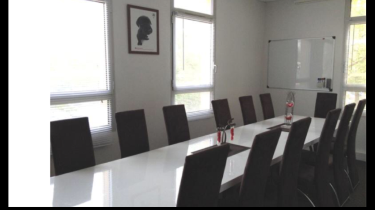 Salle tables rondes 1